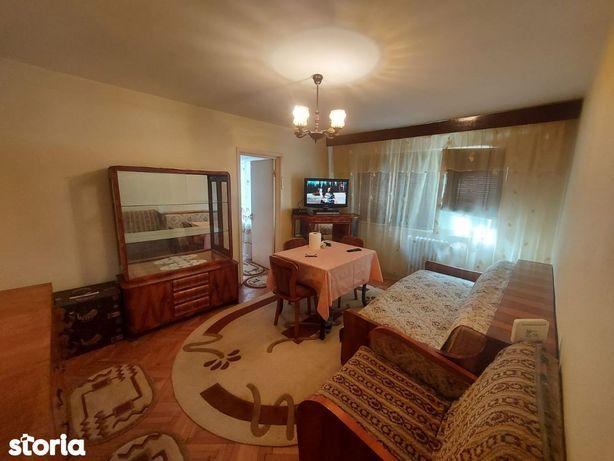Apartament 3 camere, Etaj 1 - Zona Stadionului