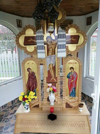 Cruce troita sculptata