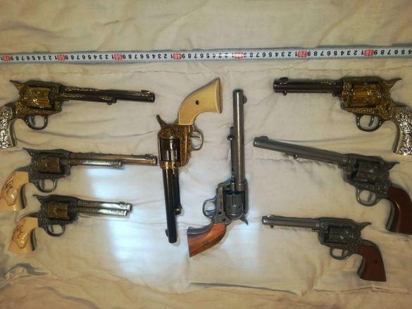 Револвер Колт, Colt каубойски пистолет, револвери. Нестрелящи реплики
