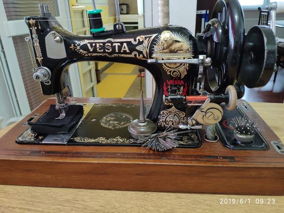 Ръчна шевна машина Vesta