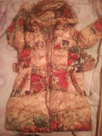 Зимняя куртка для девочек в отличном состоянии