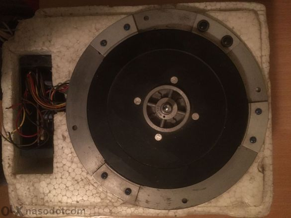 Продавам мотор за hi-fi грамофон direct drive- Matsushita MPL-10A
