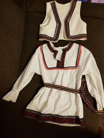 Costum traditional copii 3-4 ani