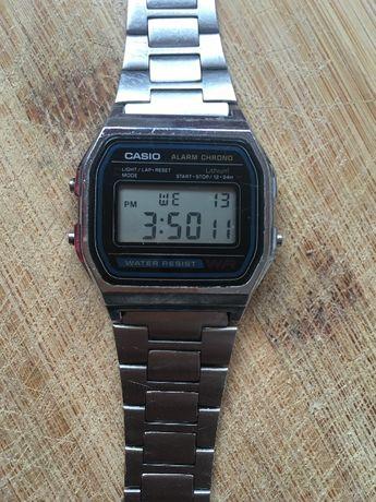 Касио часовник