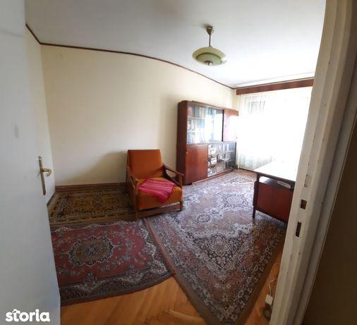 Apartament 3 camere, Zona Rusu Sirianu