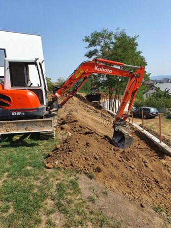 Închirieri utilaje excavator. Platforma auto.