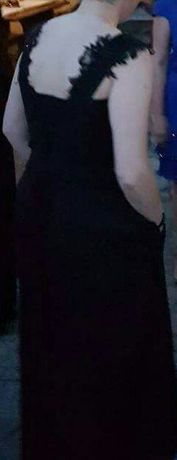 Абитуриенска рокля