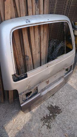 Крышка багажника hiace