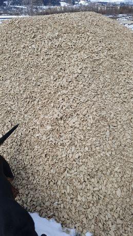 Транспортирам и Продавам Пясък (речен и кариерски), и Чакъл.Извозване