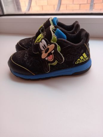 Детская обувь,кроссовки