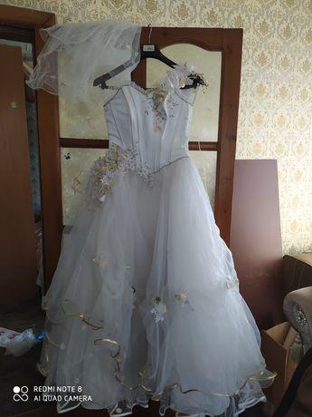Продам Свадебное платье 5000