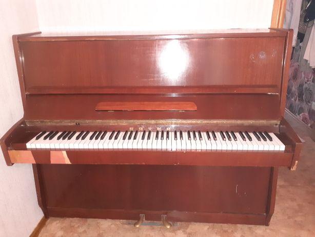 """Пианино """"Вятка """""""