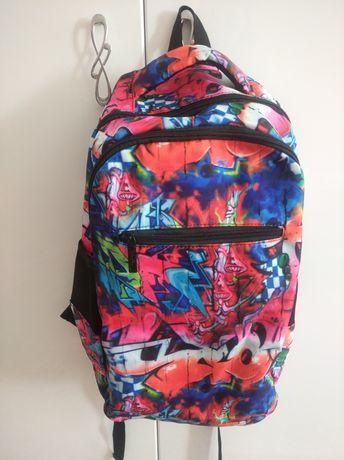 Рюкзак в школу и для отдыха