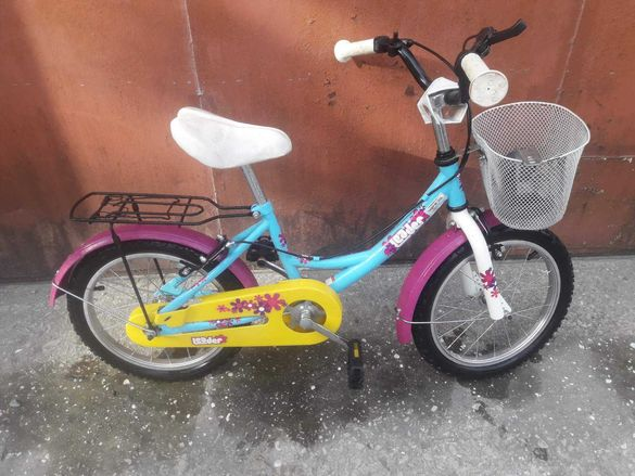 велосипед 16 цола с помощни колела като нов.