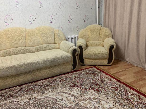 Продам диван + 2 кресла