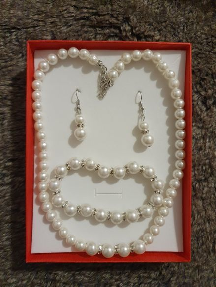 Комплект от перлички