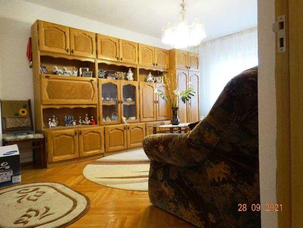 vand apartament cu 3 camere in Municipiul Sf. Gheorghe