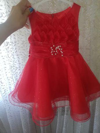 Платье нарядное от 7 месяцев до года