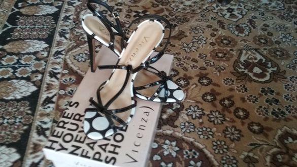 Елегантни дамски обувки Vucenza