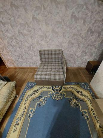 Раскладываюшееся кресло-кровать б/у