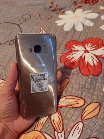 Продаю телефон  S8 Samsung