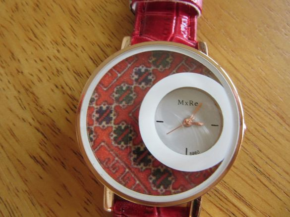 Коледна промоция-Дамски часовник декупаж с българска шевица