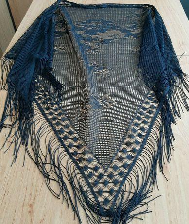 Елегантен немачкаем шал за празник или море и каскет