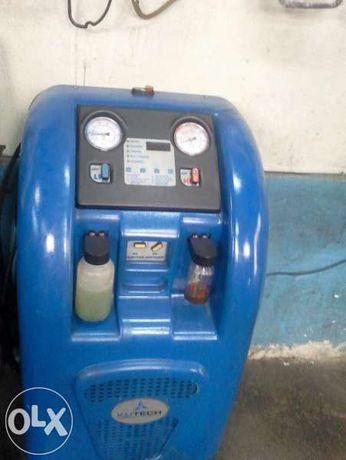 Зареждане на авто климатици със станция