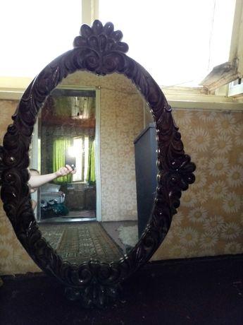 Продавам старинно огледало