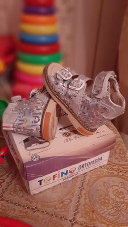 Продам детскую ортопедическую  обувь