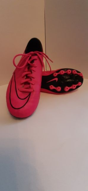 Ghete fotbal Nike Mercurial originali din Germania marimea 34