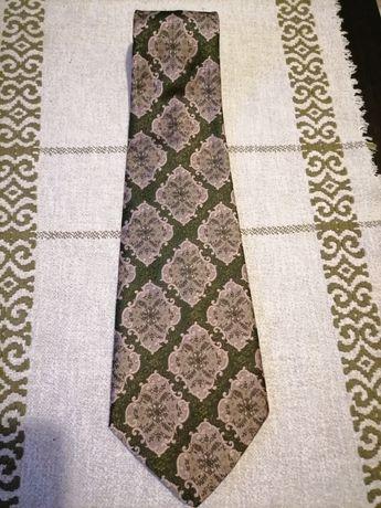 Cravate deosebite de colectie, materiale de top, branduri consacrate