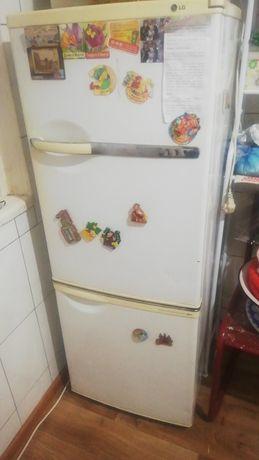 Холодильник на запчасть