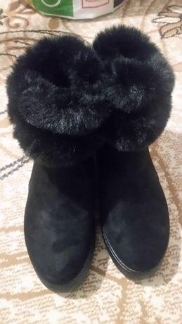 Зимни дамски черни ботуши