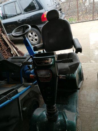 Vând scooter handicap Huricane