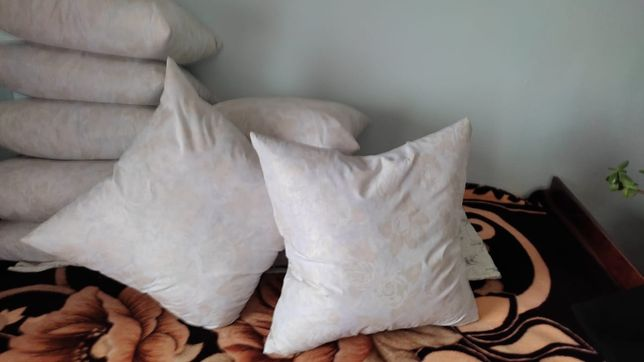 Продам новые подушки, ручной работы.