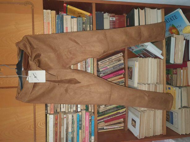 Pantaloni piele intoarsa elastica