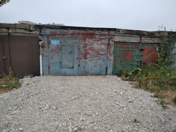 ДОБРОТНЫЙ капитальный гараж в кооперативе МОСКВИЧ, площадью 19 кв.м.