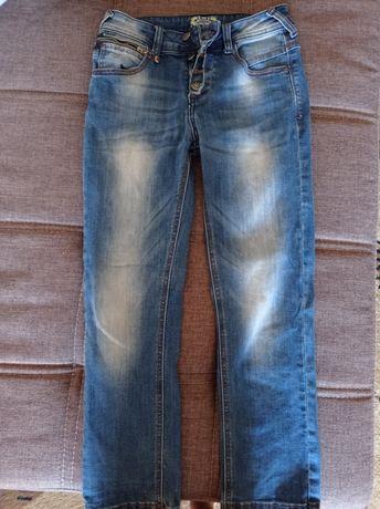 Продам джинсы на мальчика до 10-11 лет.