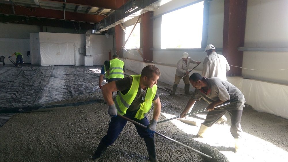Pardoseli industriale din beton elicopterizat sau rășini epoxidice Buzau - imagine 1