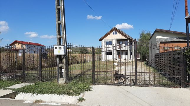 Casa+Teren 2300mp/S+P+1/Garaj/Livada
