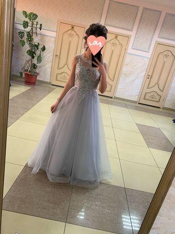 Продам вечернее, выпускное платье.