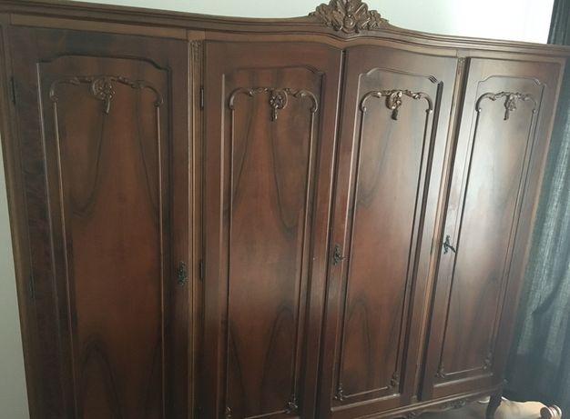 Mobila dormitor lemn masiv nuc