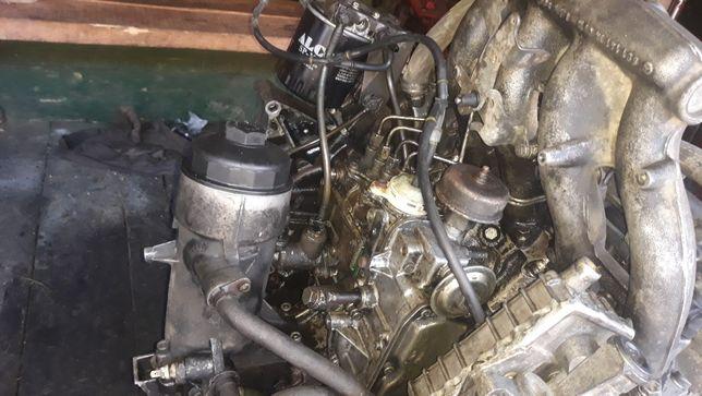 Vând piese motor mercedes benz sprinter 208,308d