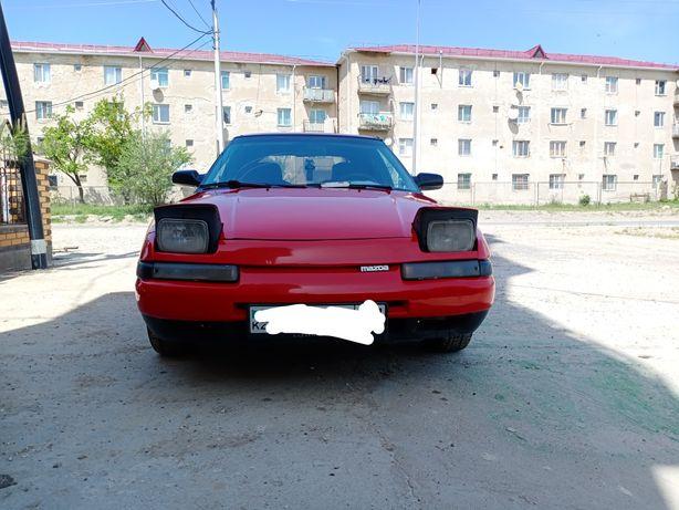 Mazda 323f 1990.