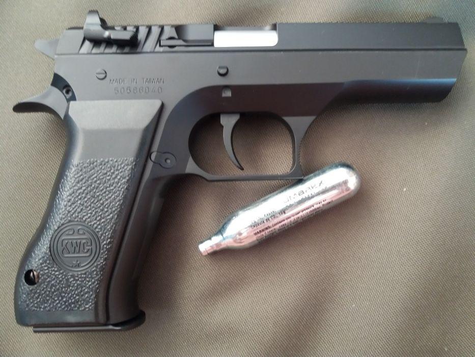 JERICHO pistolai METALIC pe CO2 calibru6MM PUTERE MARE de pana la 3j