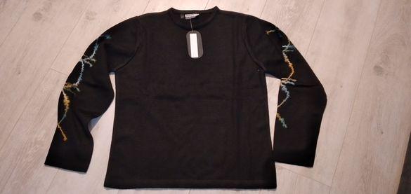 Дамска блуза с декорация на ръкава