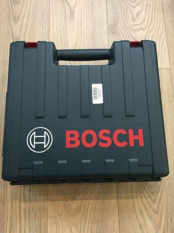 Винтовет Бош професионален 18 в, 4ач , ударно - пробивна функция.