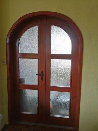 Преходна врата със свод
