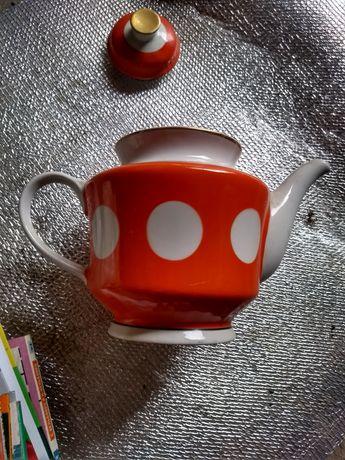 Продам фарфоровый чайник советский